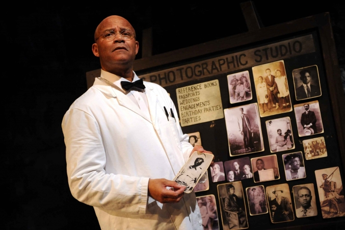 Louis Emerick in Siswe Banzi